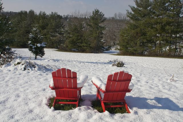 adirondack-chairs-in-snow_0
