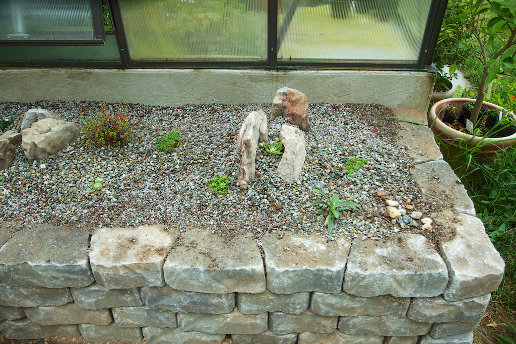 Alpine bed detail
